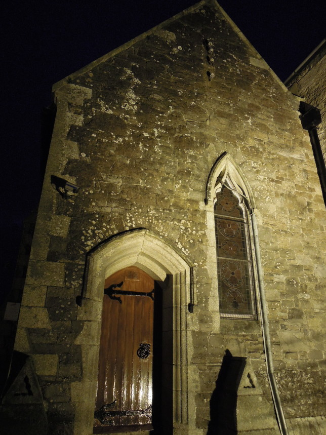 Alte Kirche, Besprechung Rise