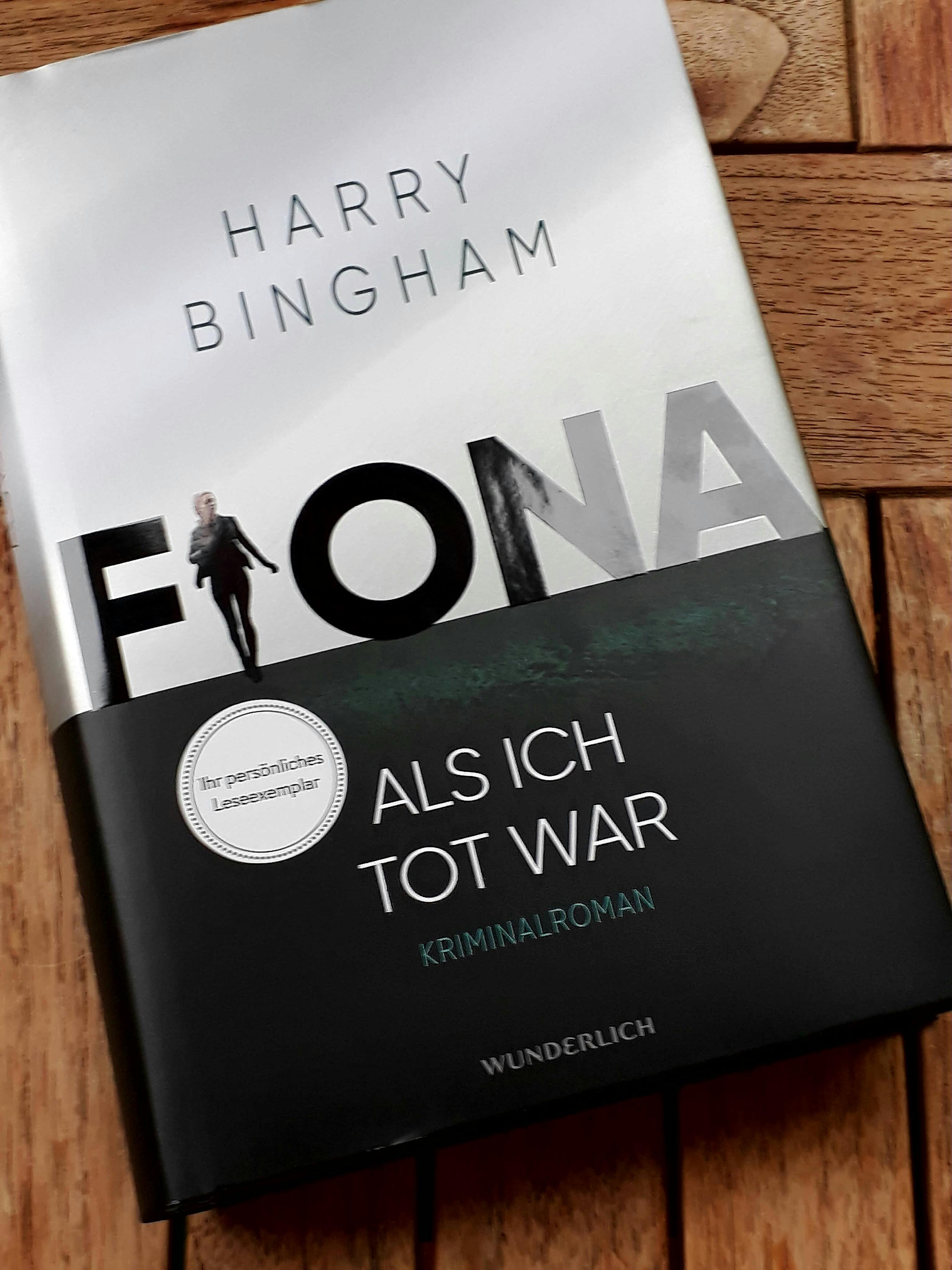 Titelbild der deutschen Ausgabe des besprochenen Romans von Harry Bingham (Übersetzung von Andrea O'Brien)