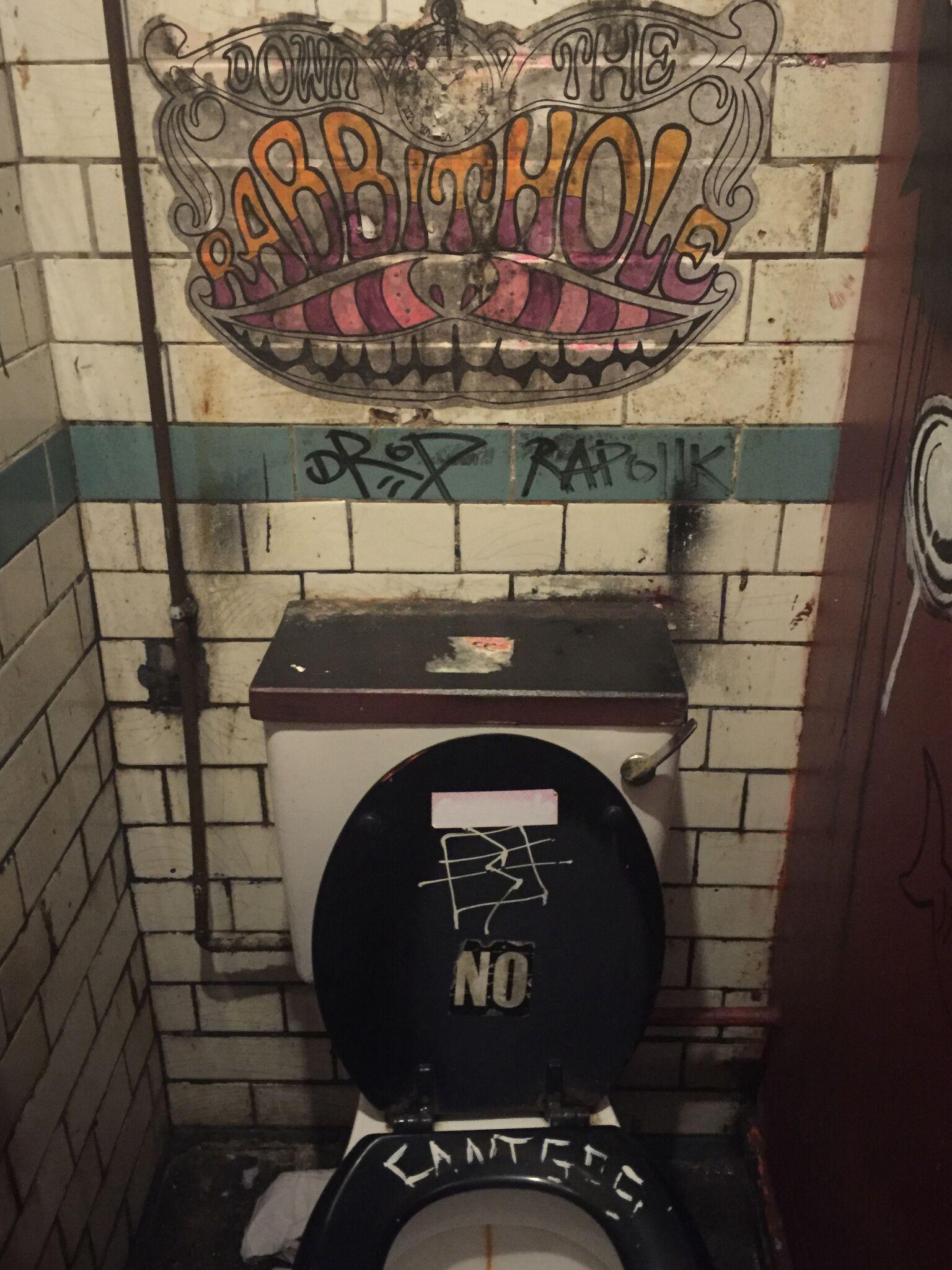 Manchesters Unterwelt, Krimiscout-Besprechung Sirens Joseph Knox